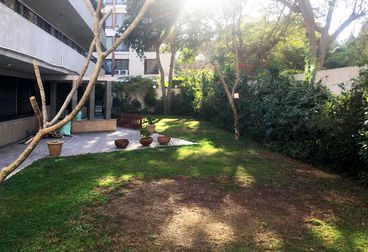 For Rent - Apartment with Garden 350 M² super lux in Mostafa Kamel Square