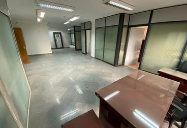 For Rent - Offices 880 M² super lux
